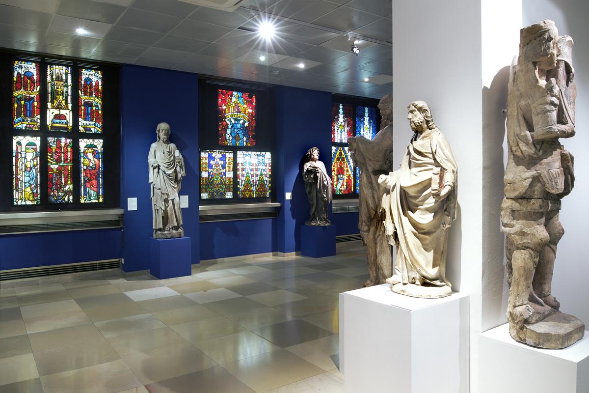 Wien Museum Karlsplatz Dauerausstellung EG Foto 01 - TEXT - 044 - RESCUING RELICS